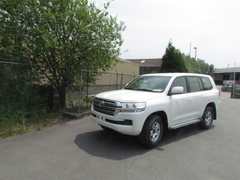 <a href='https://www.autoredo.com/fr/segment/vehicules/suv-4x4/' title='Export SUV &amp; 4X4'>SUV &amp; 4X4</a> Toyota Land Cruiser 200
