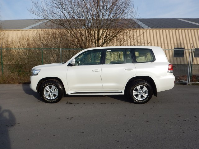 <a href='https://www.autoredo.com/fr/segment/vehicules/suv-4x4/' title='Export SUV & 4X4'>SUV & 4X4</a> Toyota Land Cruiser 200