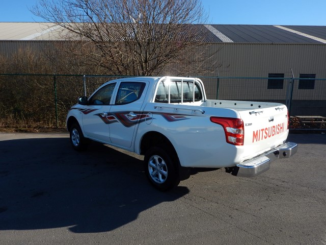<a href='https://www.autoredo.com/en/segment/vehicles/pick-up/' title='Export Pick-up'>Pick-up</a> Mitsubishi L200