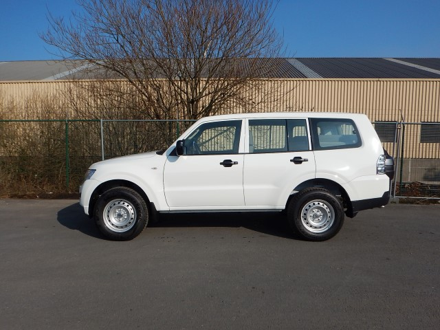 <a href='https://www.autoredo.com/fr/segment/vehicules/suv-4x4/' title='Export SUV &amp; 4X4'>SUV &amp; 4X4</a> Mitsubishi Pajero