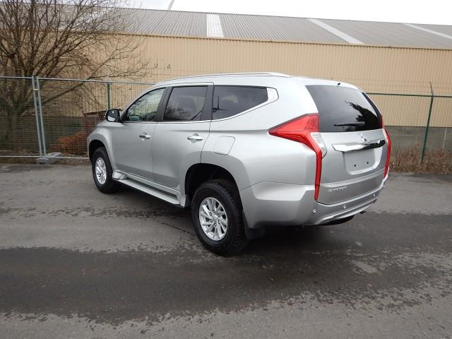 <a href='https://www.autoredo.com/fr/segment/vehicules/suv-4x4/' title='Export SUV &amp; 4X4'>SUV &amp; 4X4</a> Mitsubishi Pajero Sport