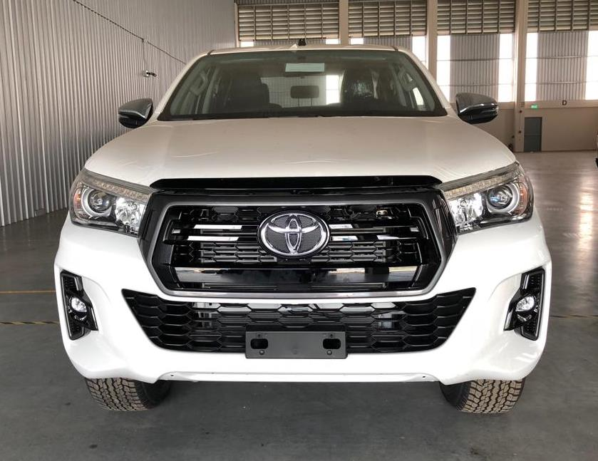 <a href='https://www.autoredo.com/en/segment/vehicles/pick-up/' title='Export Pick-up'>Pick-up</a> Toyota Hilux