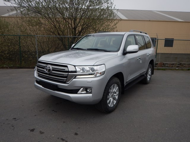 <a href='https://www.autoredo.com/en/segment/listings/popular/' title='Export Popular'>Popular</a>, <a href='https://www.autoredo.com/en/segment/vehicles/suv-4wd/' title='Export SUV & 4WD'>SUV & 4WD</a> Toyota Land Cruiser 200