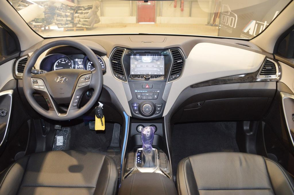 <a href='https://www.autoredo.com/en/segment/vehicles/suv-4wd/' title='Export SUV &amp; 4WD'>SUV &amp; 4WD</a> Hyundai Santa Fe
