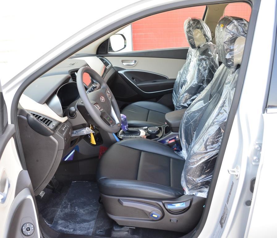<a href='https://www.autoredo.com/fr/segment/vehicules/suv-4x4/' title='Export SUV &amp; 4X4'>SUV &amp; 4X4</a> Hyundai Santa Fe