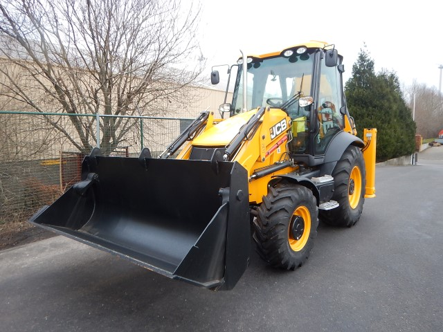 <a href='https://www.autoredo.com/en/segment/vehicles/used-utility-vehicle/' title='Export Used Utility Vehicle'>Used Utility Vehicle</a> JCB