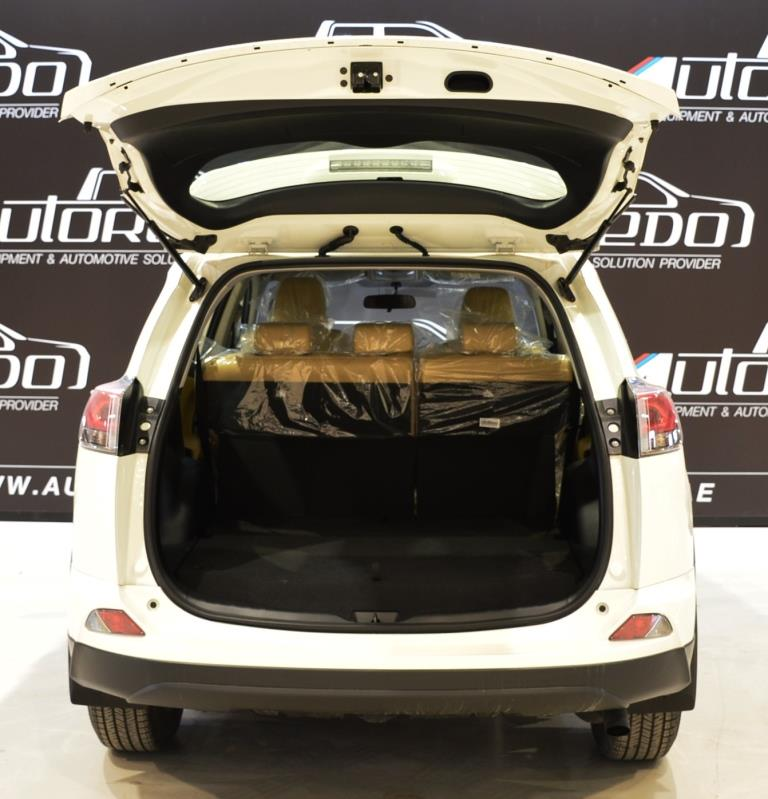 <a href='https://www.autoredo.com/en/segment/vehicles/suv-4wd/' title='Export SUV &amp; 4WD'>SUV &amp; 4WD</a> Toyota RAV4