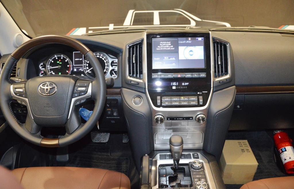 <a href='https://www.autoredo.com/en/segment/listings/' title='Export Listings'>Listings</a>, <a href='https://www.autoredo.com/en/segment/vehicles/' title='Export Segment'>Segment</a>, <a href='https://www.autoredo.com/en/segment/vehicles/suv-4wd/' title='Export SUV & 4WD'>SUV & 4WD</a> TOYOTA LAND CRUISER 200